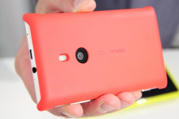 lumia-925-беспроводной зарядный футляр